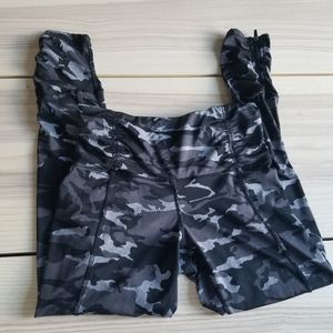 Power Camo leggings with zippers